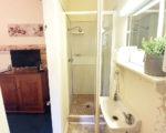 Family-Suite-bathroom