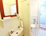 Terminus-Room-bathroom